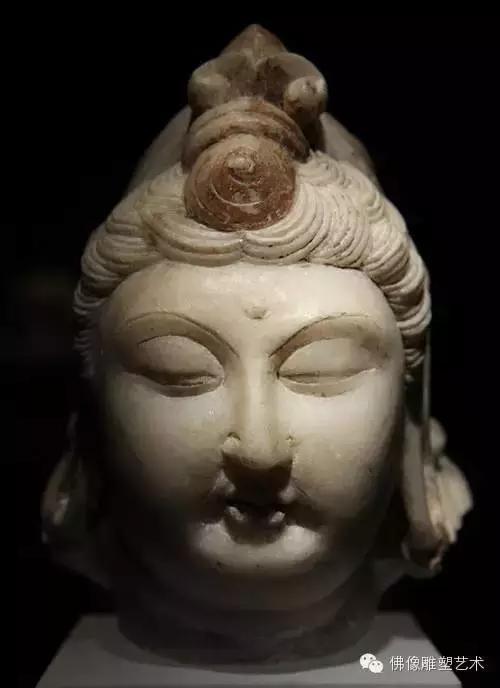 唐朝古代石雕菩萨佛像图片